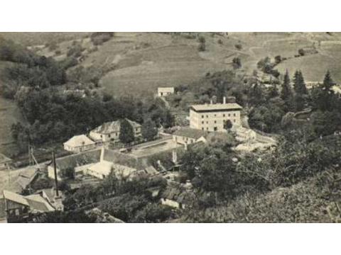 A Hollóházi gyár (nagyon) rövid története